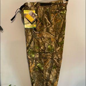 Remington man's camo pants size XL light weight